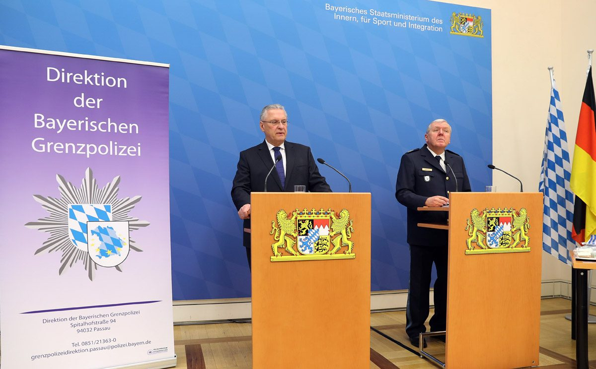 Border controls in Bavaria and Austria: Police to extract mobile phones