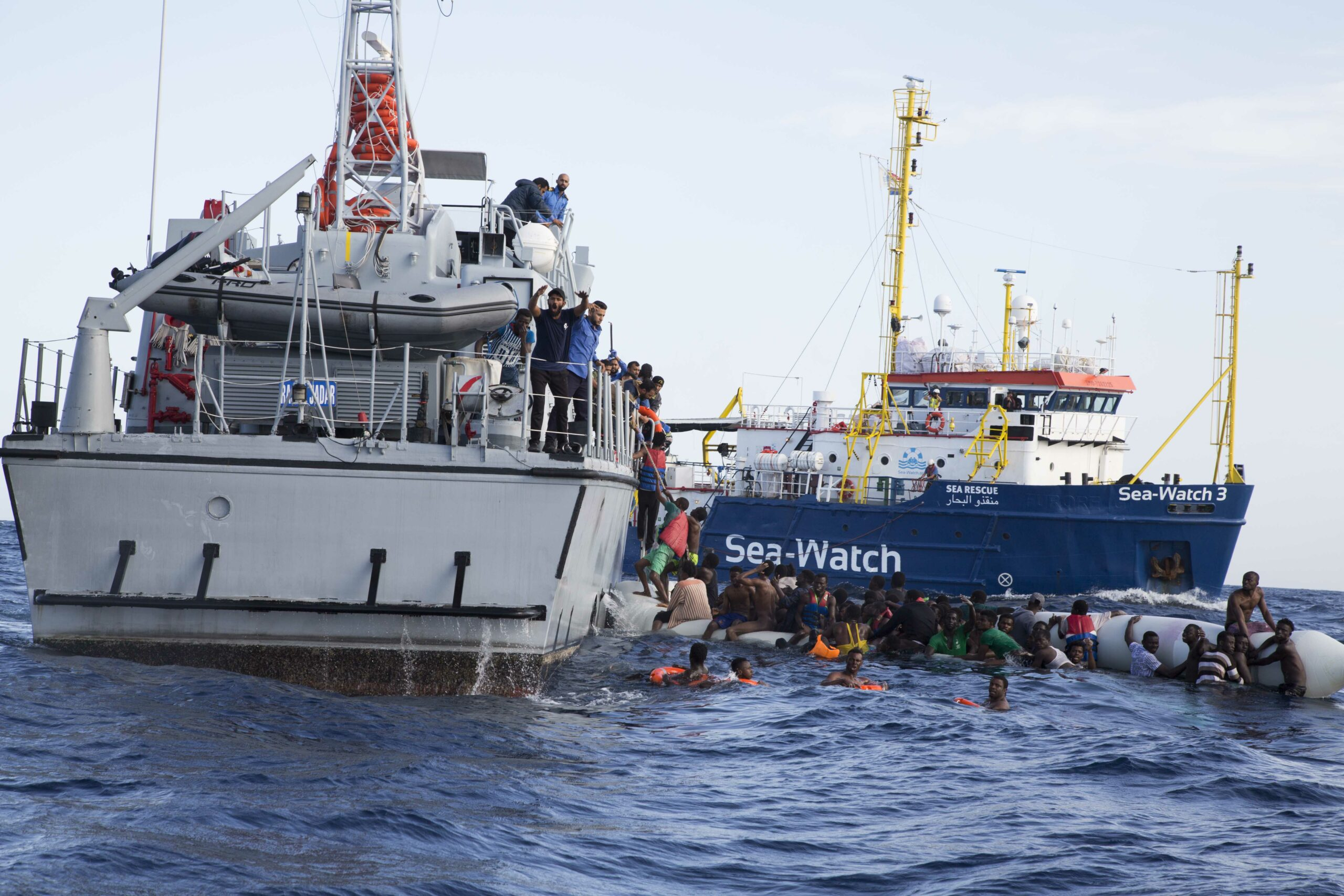 WhatsApp to Libya: How Frontex uses a trick to circumvent international law